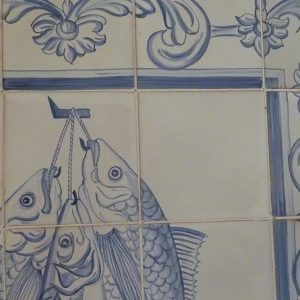 fresque aux 3 poissons sur carreaux de faïence tiles